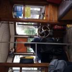 Le petit Tram, voici l'intérieur, cela fait très bateau c'est super beau! Ça fait vieux et rouillé c'est un bon concept